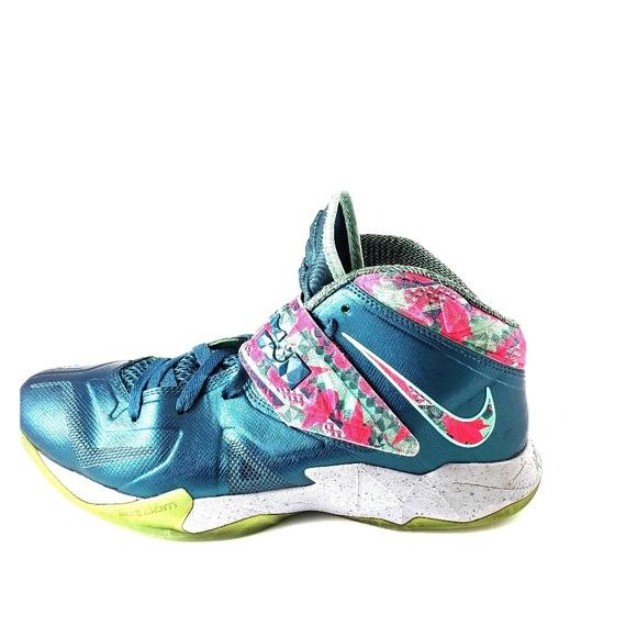 sports shoes 3542d d6307 Nike Lebron Zoom Soldier VII 7 Power Couple
